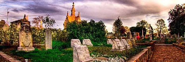 tombstones at Oakland Cemetery